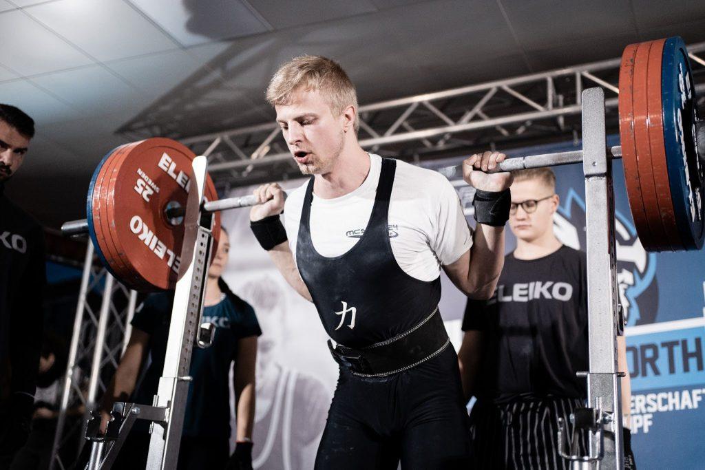 Lukas Kühl Kniebeuge